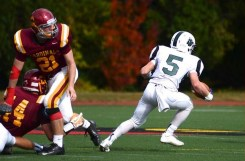 Zak Peroots breaks free for a run against Ireton (Photo by Mike Maraya)